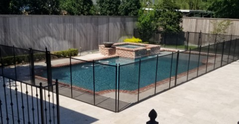 installed Self-Closing pool gate in New Orleans, Louisiana