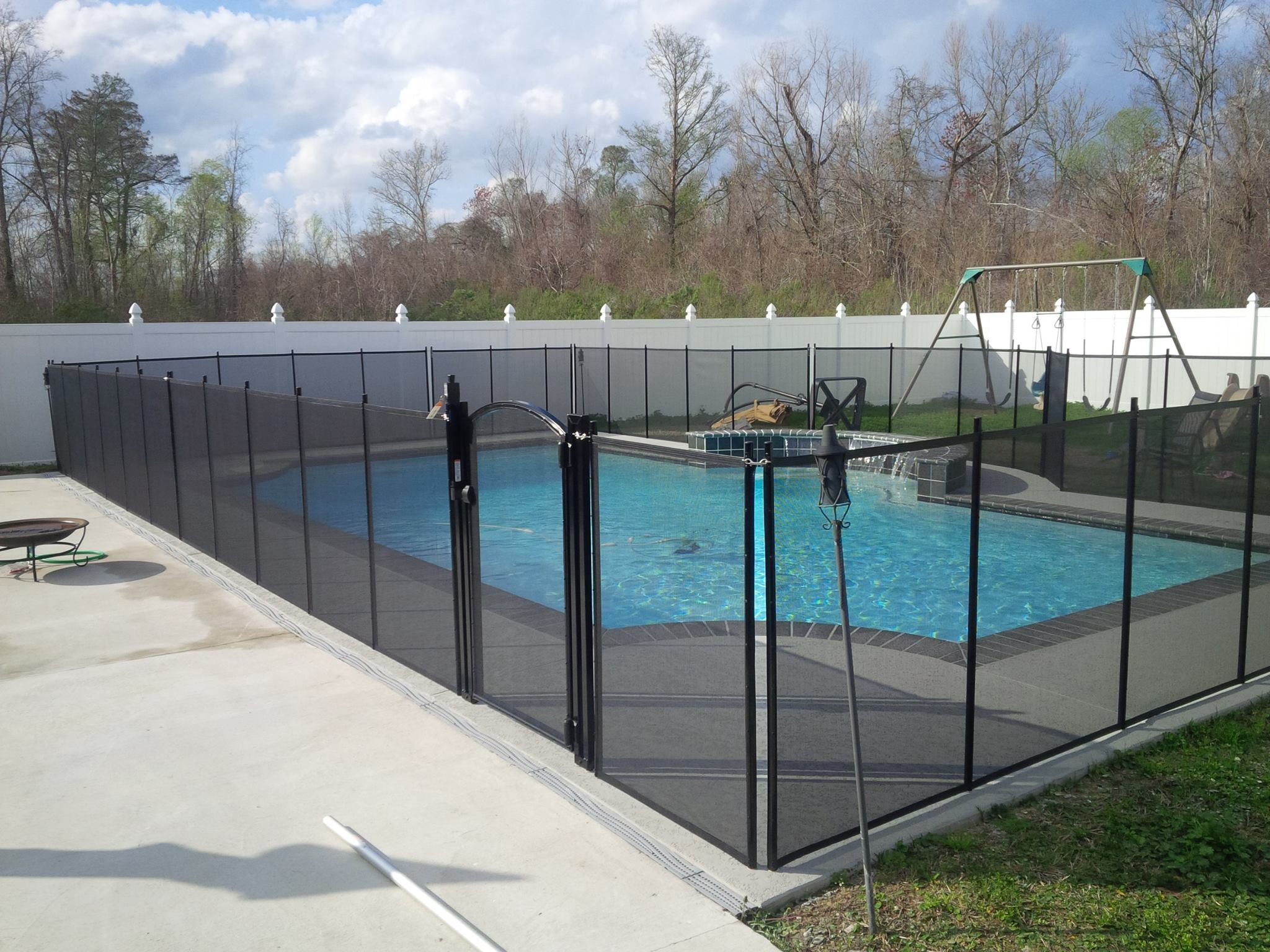 Life Saver removable mesh pool fence installed in Biloxi, MS