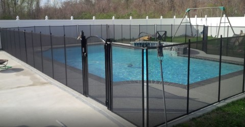 Life Saver removable mesh pool fence installed in Ocean Springs, MS